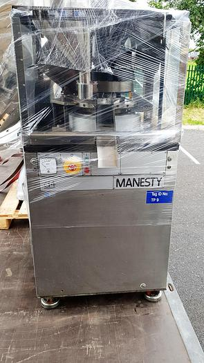 Manesty D4 Tablet Press