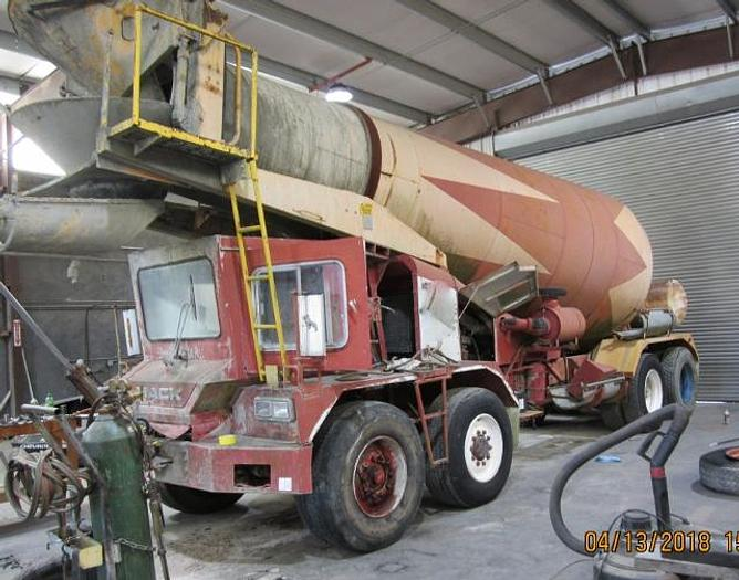 Used 1990 Mack Front Discharge Concrete Mixer Truck