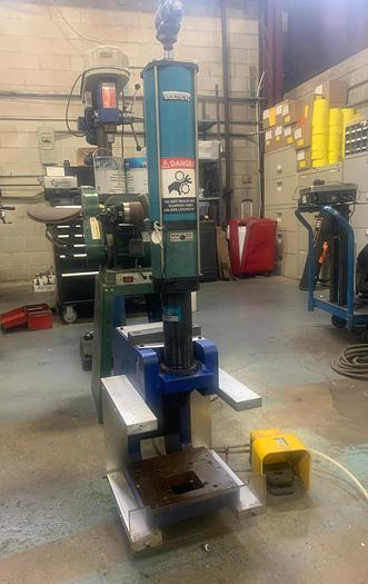 Used Multicyl 12 1/2 ton Air Press- Double Acting