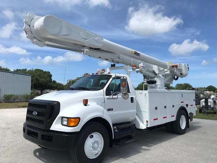 Used 2009 Ford F750 Altec AM55 60ft Over Center Bucket Truck - C94193