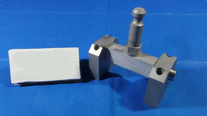 Used Applied Materials 0021-11880 Lid Look Bracket, 0021-11880 / Rev 002 / 1 Set / from 300mm Chamber Lid Top