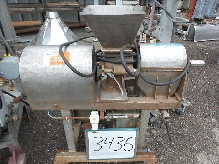 Used Brown Model 2200 Screw Type Juice Extractor /Lab Size Pulper