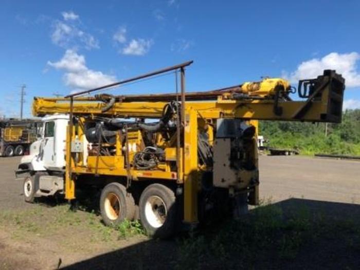 HB18315 Atlas Copco 3001 core drill on truck