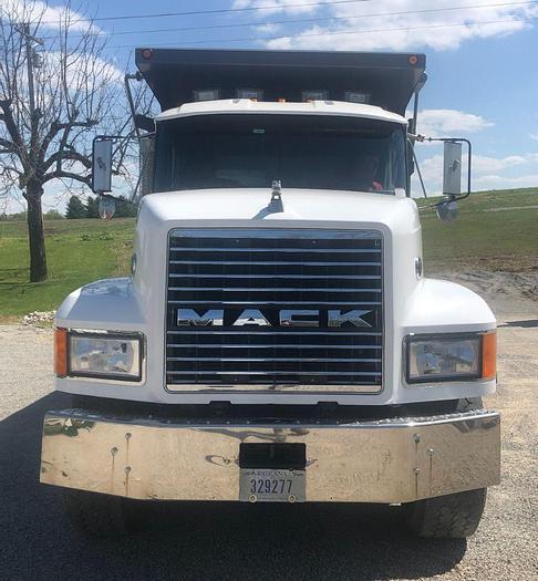 Used 1996 MACK CL713