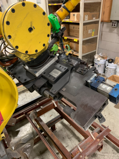 FANUC R2000IA/210F 6 AXIS ROBOT WITH END OF ARM HYDRAULIC PUNCH/RIVETER