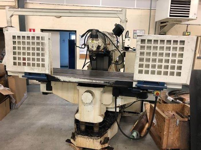 Fraiseuse Huron MU Basic / CNC milling machine Huron MU Basic
