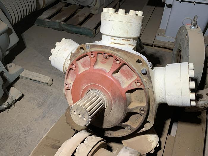 Used Kawasaki Heavy Industries High Torque Hydraulic Motor; Radial Piston Type