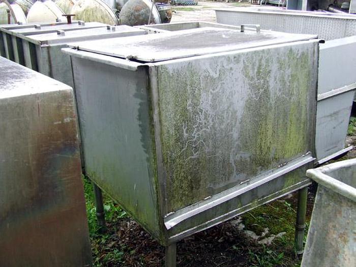 Used Zbiornik na nogach z pokrywą