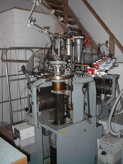 """Gebraucht Rundstrickmaschine für medizinische Strümpfe LUCAS  RME-MS101 E24/05""""/04"""