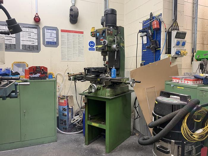 Used 1997 WARCO 45PF Geared Head Milling Drilling Machine