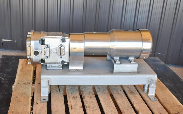 Used USED WAUKESHA ROTARY LOBE PUMP, MODEL 030-U2, STAINLESS STEEL, HIGH SANITATION PUMP
