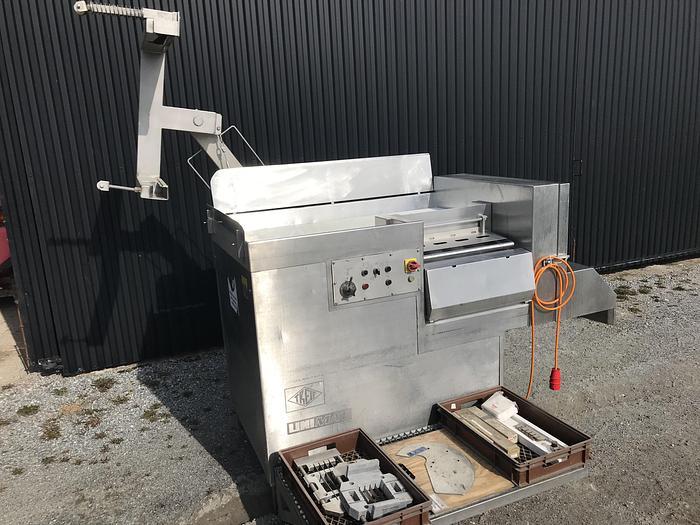 Använd Tärningsmaskin Treif 0794 med lyft