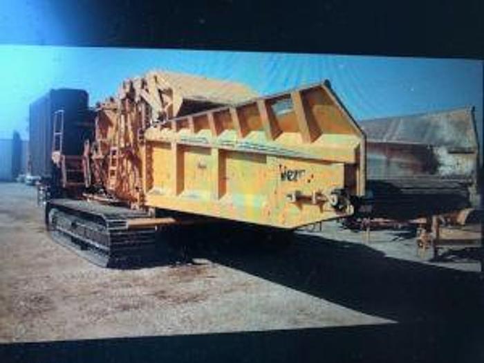 Used 2013 Vermeer HG8000 on tracks