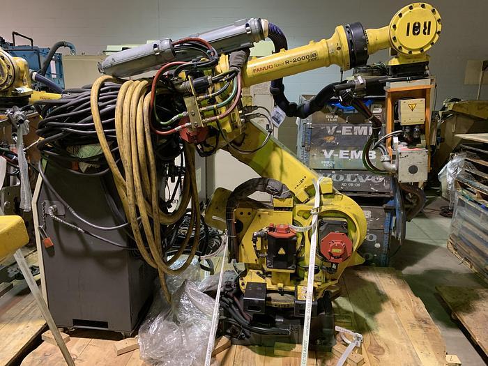 Used FANUC R2000iB/210F 210KG X 2655MM REACH 6 AXIS CNC ROBOT W/R30iA CONTROLS WITH ARO SERVO GUN