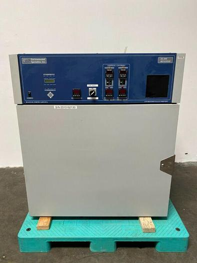 Used Environmental Specialties 340 Liter ES2000 CL-BT Photostability Chamber 20-40°C