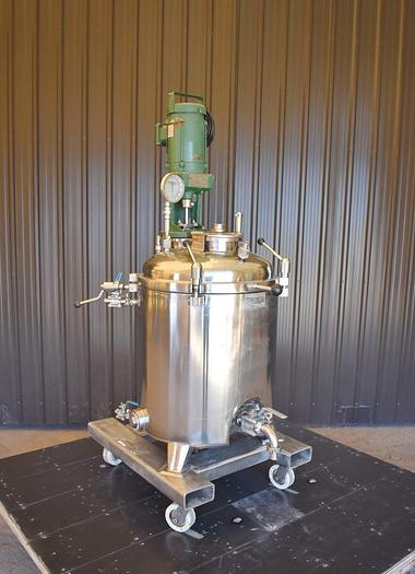 Used USED 50 GALLON JACKETED TANK (REACTOR), 316 STAINLESS STEEL WITH LIGHTNIN MIXER
