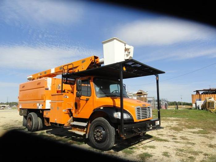 Used 2011 FREIGHTLINER BUSINESS CLASS M2 106