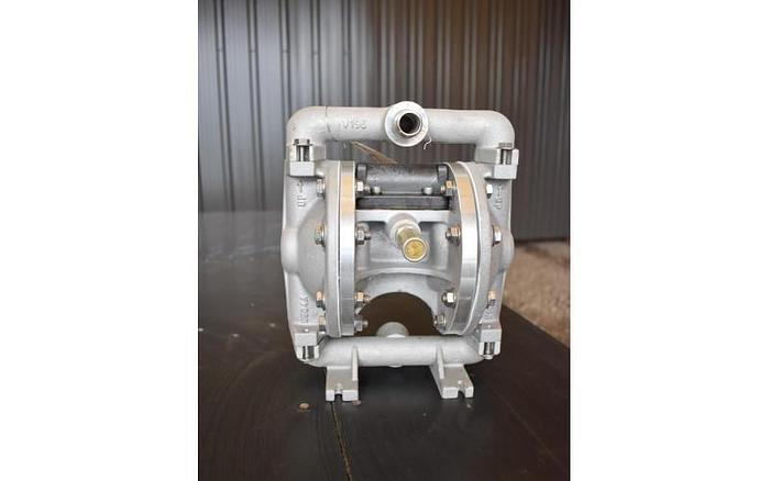 "USED DIAPHRAGM PUMP, 0.5"" X 0.5"" INLET & OUTLET, STAINLESS STEEL"