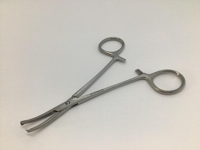 Forceps Artery Halsted Mosquito Curved 1 in 2 Teeth 125mm (5in)