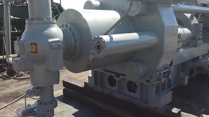 Used 750 Ton Schloemann Hydraulic Extrusion Press