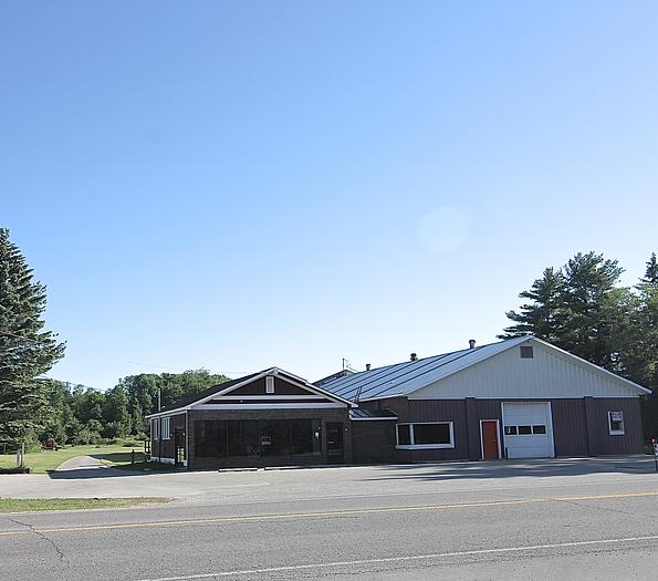 11,000 SQ' ON 5 ACRES NORHTER MICHIGAN COMMERCIAL PROPERTY