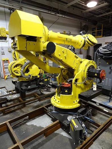 Used FANUC M-900IA/350 WITH RJ-3iB CONTROL