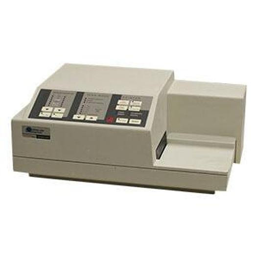 Used MOLECULAR DEVICES VMAX PLATE READER