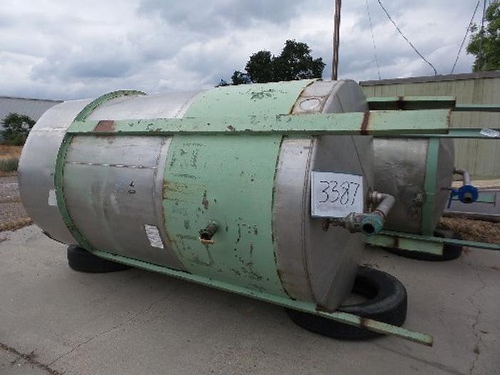 2,200 Gallon Vertical Stainless Steel Tank