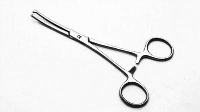 Used Forceps Artery Kocher Curved 1 in 2 Teeth 150mm (6in)