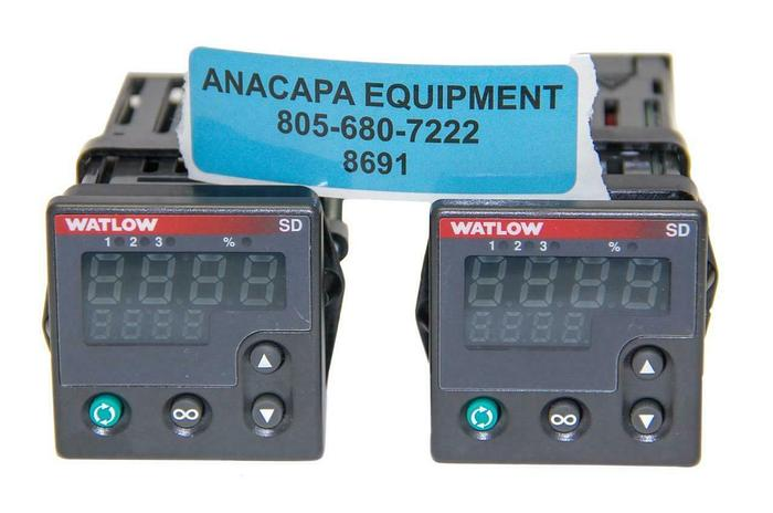 Used Watlow Digital Temperature Controller SD6C-LCAA-AARG Lot of 2 (8691)W