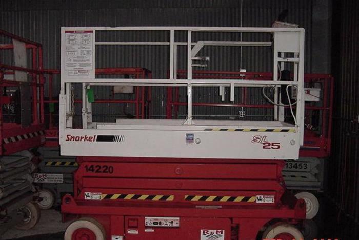 1999 SNORKEL SL-25