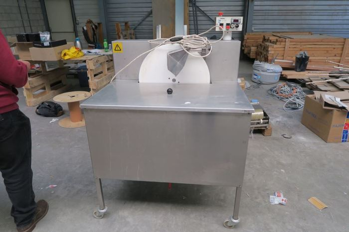 CHOCOLATE HAND MOULDING/MELTING/TEMPERING MACHINE
