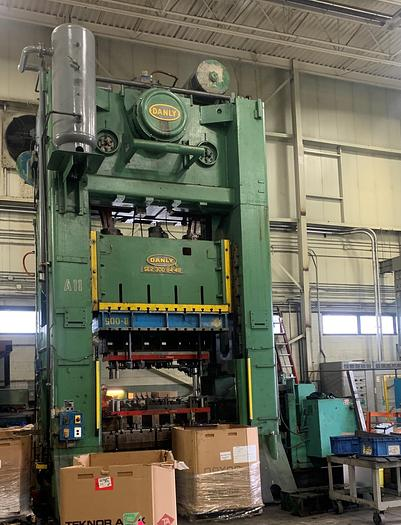 Used 300 ton Danly SSDC Press