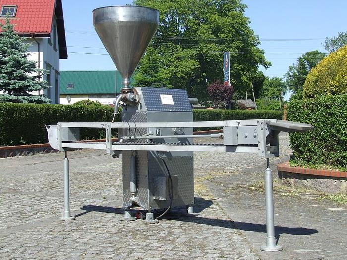 Używane Dozownica automatyczna o zakresie dozowania do 750g z przenośnikiem