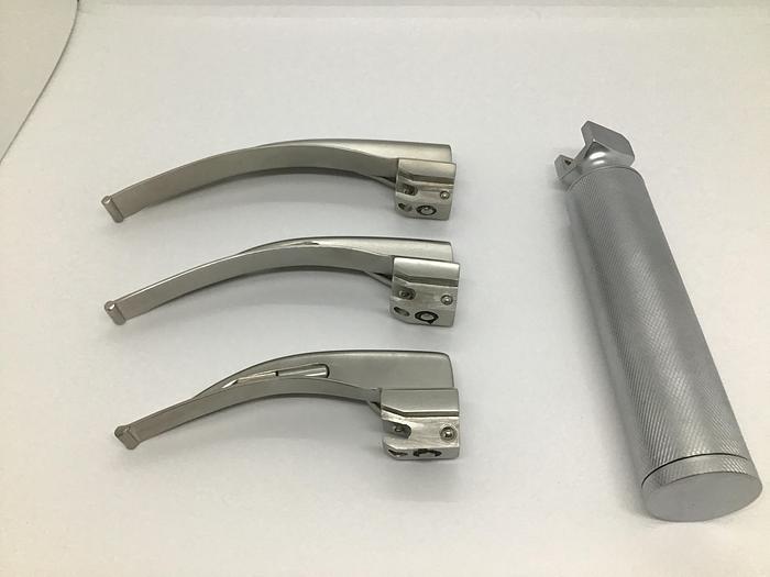 Laryngoscope Set Halogen Macintosh Handle with 3 Blades