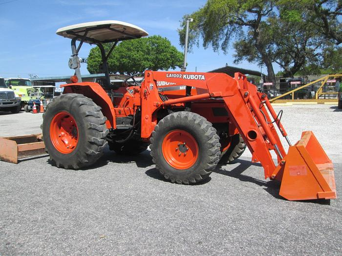 Kubota M5700 Tractor With Loader, 4 Wheel Drive