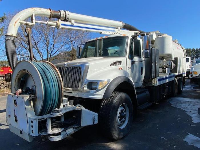 Used 2006 International 7600- Stock #: 8664