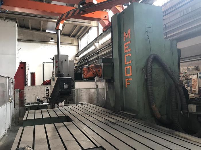 FRESATRICE A BANCO FISSO MECOF CS 1000/A CNC