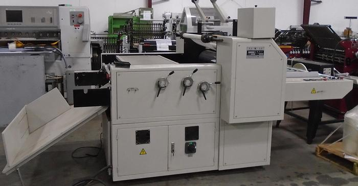 Used 2010 Oil Press Quickly Filming Machine (Laminator) 2010