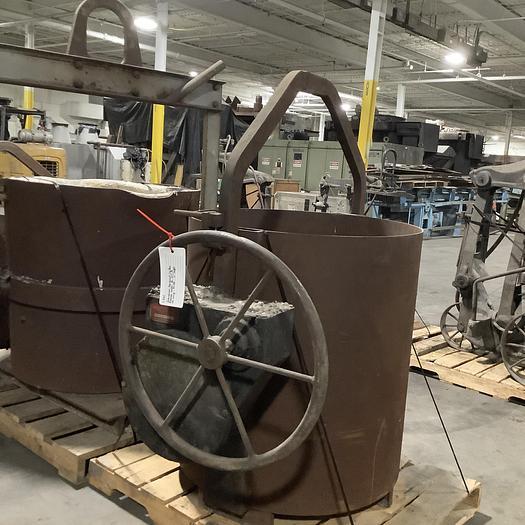 Used Industrial Equipment C.O. LIP POUR LADLE