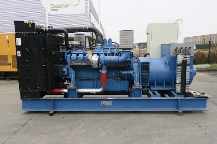 Used 2004 MTU 16V2000 - 800 KVA