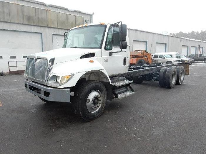 2003 International 7400- Stock #: 8680