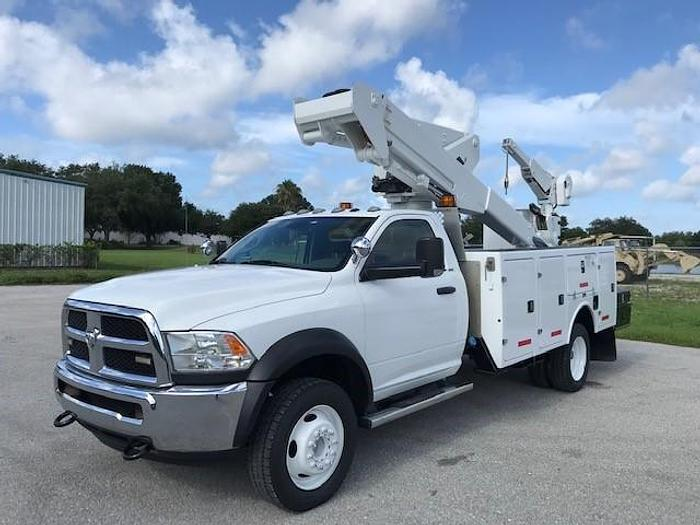 Used Versalift VST36I-MH 41ft Bucket Boom on a 2016 Ford F550 4x4 Reg Cab Truck - C605105