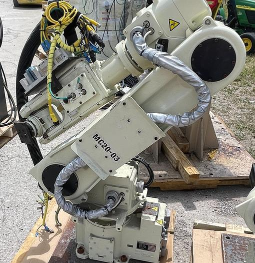 Used NACHI MC20-03 6 AXIS ROBOT 20 kg X 1733 mm H REACH WITH FD CONTROLLER