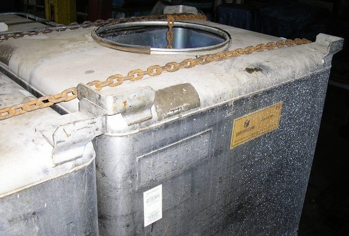 Clauson Stainless Steel Tote Tanks, 345 Gal. Cap. 4572 lbs. Gross Wt.