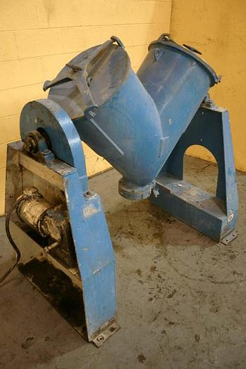 Used 3 CU. FT. P-K TWIN SHELL BLENDER – S/S