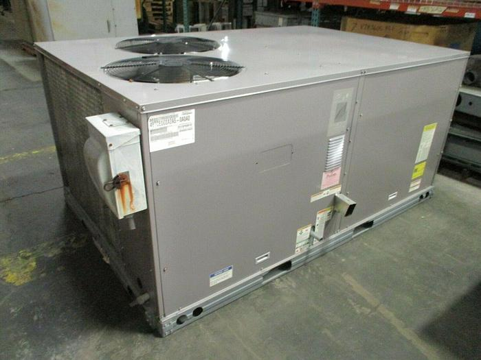 Used 2015 Carrier Rooftop Unit 7.5-ton 48TCED08A2A5A0A0A0