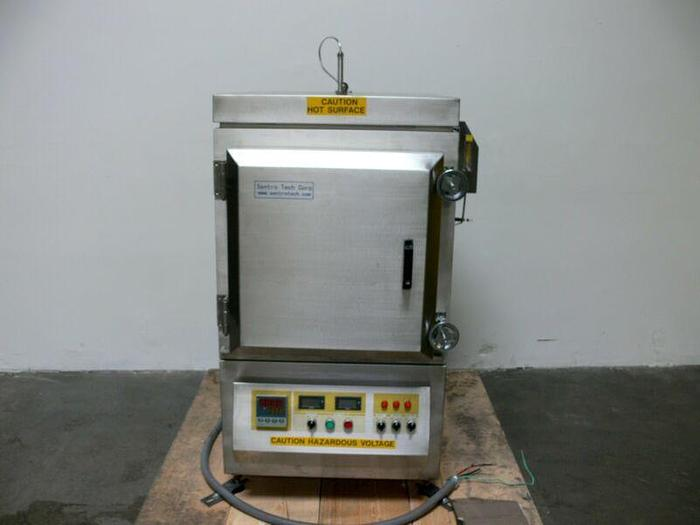 Used Sentro Tech Corp Model STH400C-121224 Humidity Chamber Furnace 400C 208V