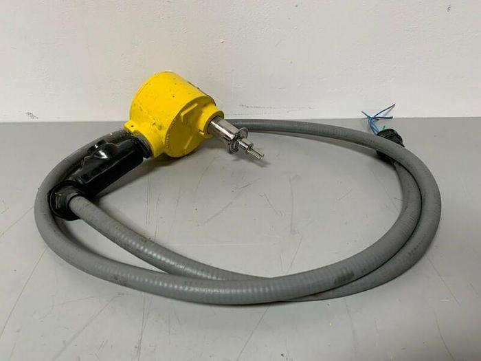 Used Fluid Component International FLT93C-3B1B0B3C1B03000 Explosion Proof Flow Switch