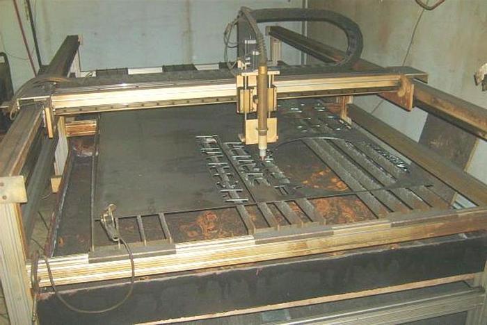 Used 2000 Practical CNC 4' x 8' Plasma Table